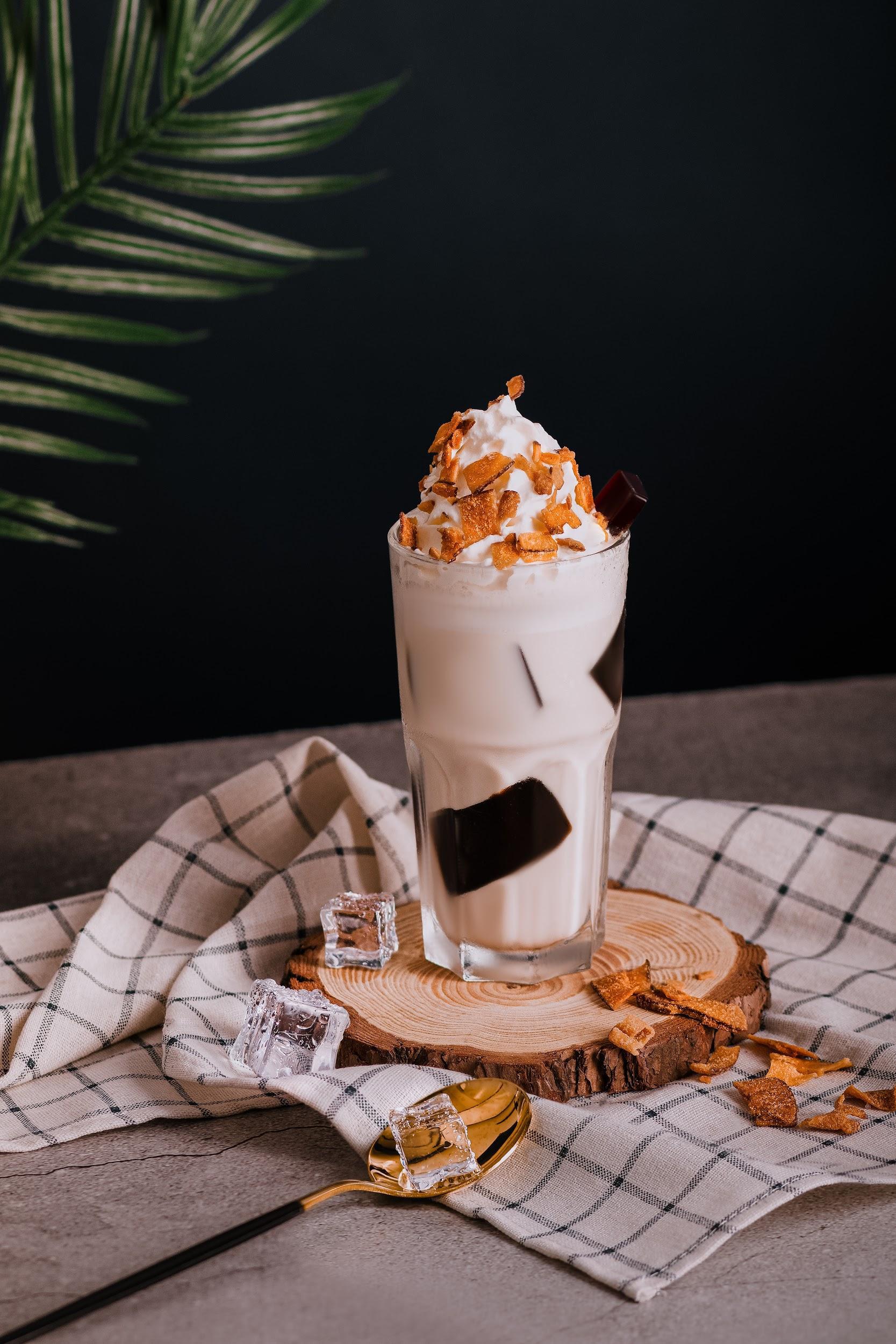 Hết Dalgona Coffee, trứng bồng bềnh, nay lại có hai công thức cà phê mới cho giới trẻ tha hồ trổ tài pha chế tại nhà chuẩn như ngoài tiệm - Ảnh 4.