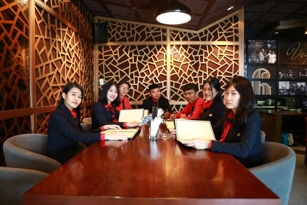 Nhiều ưu điểm khi học Quản trị nhà hàng và dịch vụ ăn uống tại UEF - Ảnh 4.