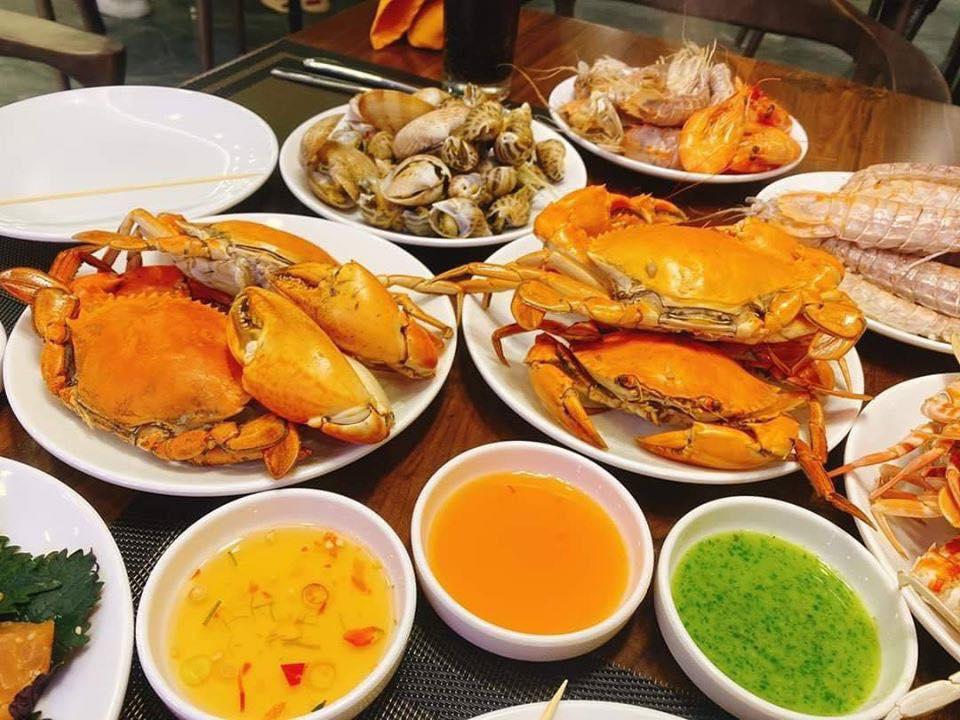 Điểm danh 4 món siêu hot trong buffet hải sản, hết cách ly rồi đi ăn ngay cho bõ thèm! - Ảnh 1.