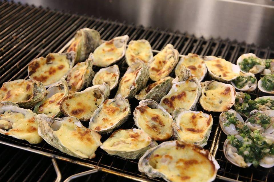 Điểm danh 4 món siêu hot trong buffet hải sản, hết cách ly rồi đi ăn ngay cho bõ thèm! - Ảnh 3.