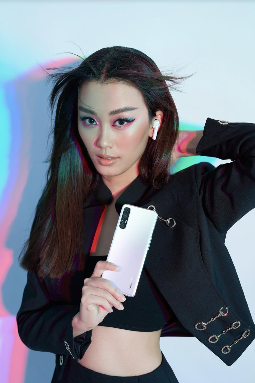Hữu dụng trong mọi hoàn cảnh, lại nâng tầm phong cách của chính chủ, smartphone đẹp xứng đáng là vật bất ly thân của phái đẹp - Ảnh 1.