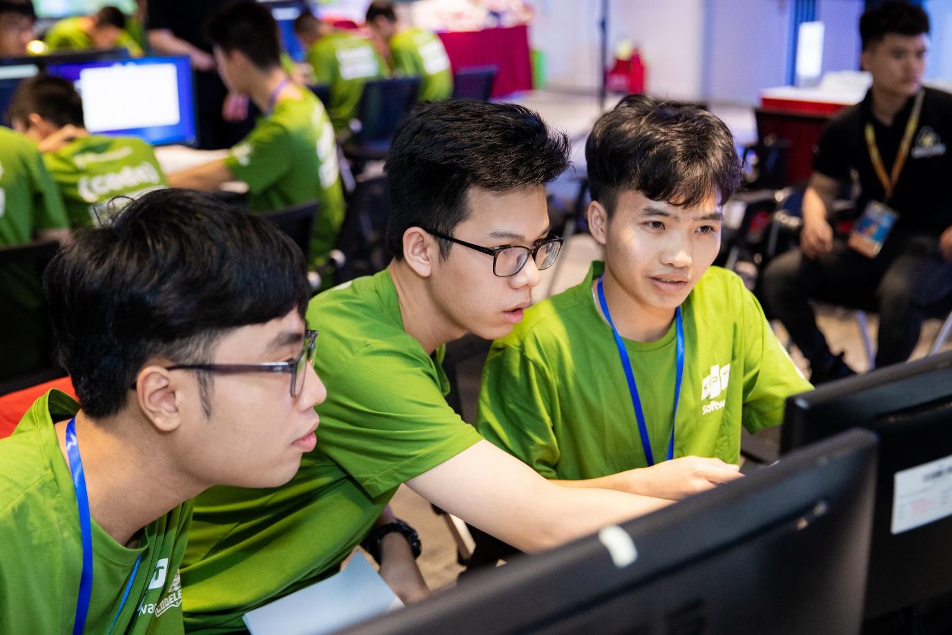 FPT là nhà tuyển dụng hấp dẫn nhất với sinh viên công nghệ Việt - Ảnh 3.