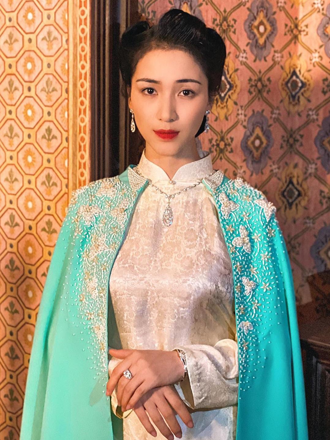 Hòa Minzy cùng PNJ tái hiện hình ảnh Nam Phương Hoàng Hậu trong MV mới - Ảnh 6.