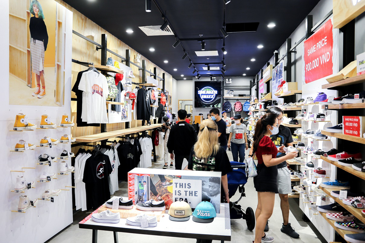 Sneaker Buzz tưng bừng khai trương nhà mới tại Estella Place - Ảnh 4.