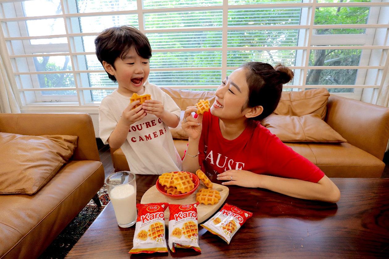 Karo trứng tươi chà bông – chiếc bánh đốn tim Trang Lou và Ốc Thanh Vân - Ảnh 2.