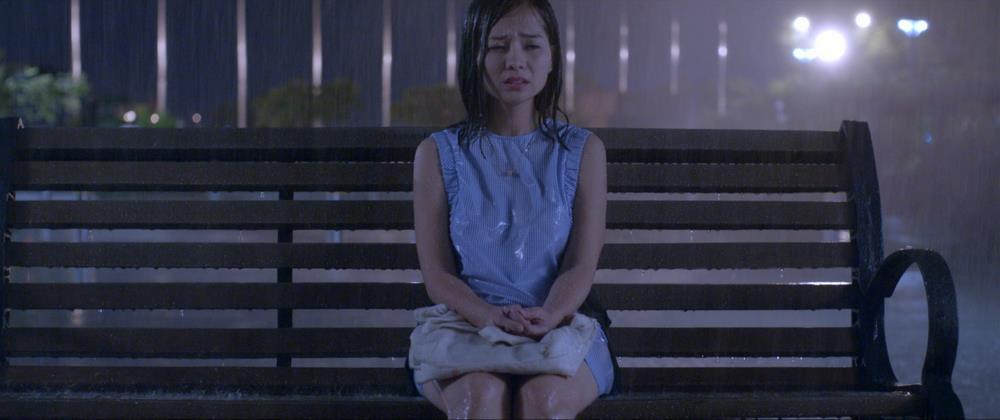 """Anh Vi Cá tái xuất giang hồ, đuổi bắt thần bài """"vô gian đạo"""" trong trailer phim """"Tôi Là Não Cá Vàng"""" - Ảnh 2."""