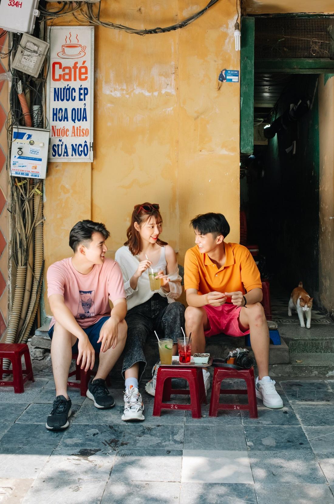 """Phố phường Hà Nội có cực nhiều tọa độ """"hot"""" nhưng UNIQLO Phạm Ngọc Thạch cũng vừa góp vui thêm một góc cực """"độc bạn đã biết chưa? - Ảnh 13."""