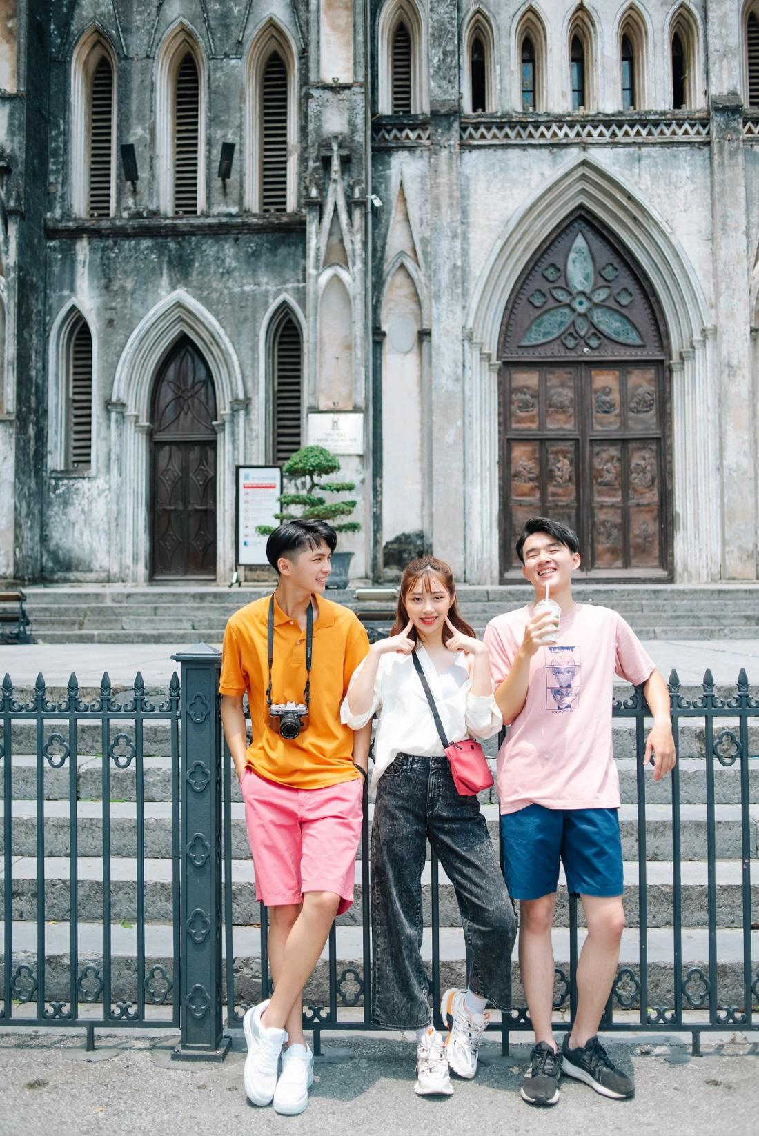 """Phố phường Hà Nội có cực nhiều tọa độ """"hot"""" nhưng UNIQLO Phạm Ngọc Thạch cũng vừa góp vui thêm một góc cực """"độc bạn đã biết chưa? - Ảnh 15."""