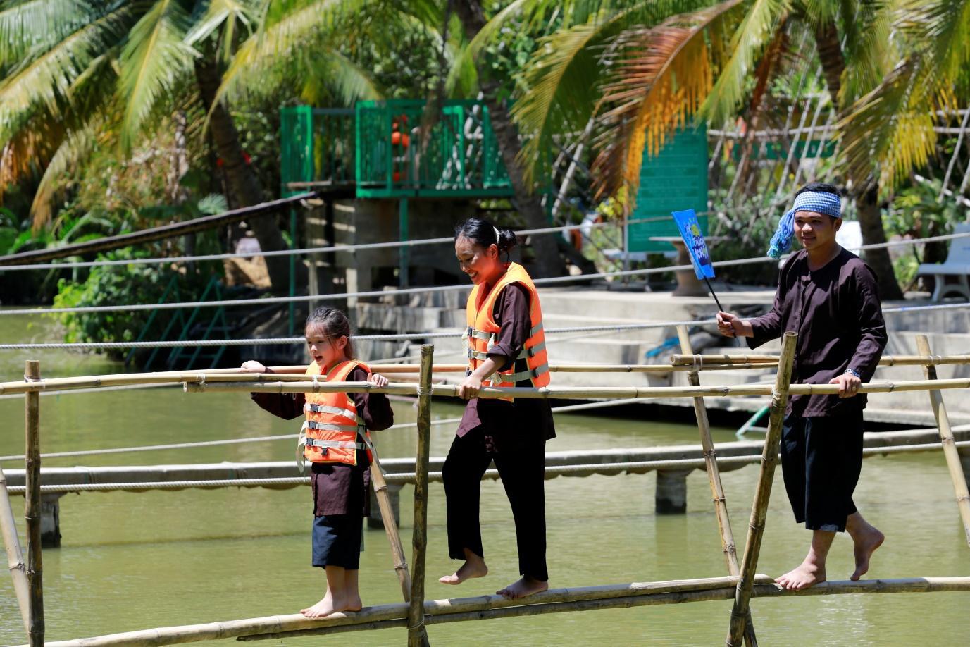 Trang Lou - Tùng Sơn cùng con đối diện với nỗi sợ bác sĩ trong Thử Thách Lớn Khôn - Ảnh 7.