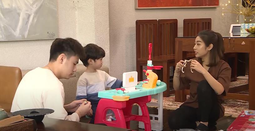 Trang Lou - Tùng Sơn cùng con đối diện với nỗi sợ bác sĩ trong Thử Thách Lớn Khôn - Ảnh 2.