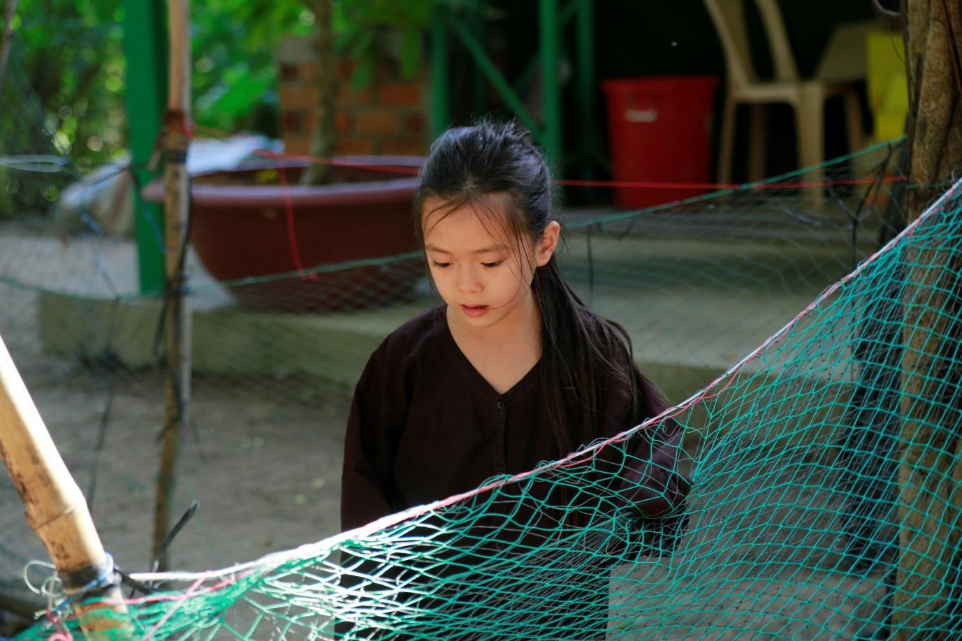 Trang Lou - Tùng Sơn cùng con đối diện với nỗi sợ bác sĩ trong Thử Thách Lớn Khôn - Ảnh 8.