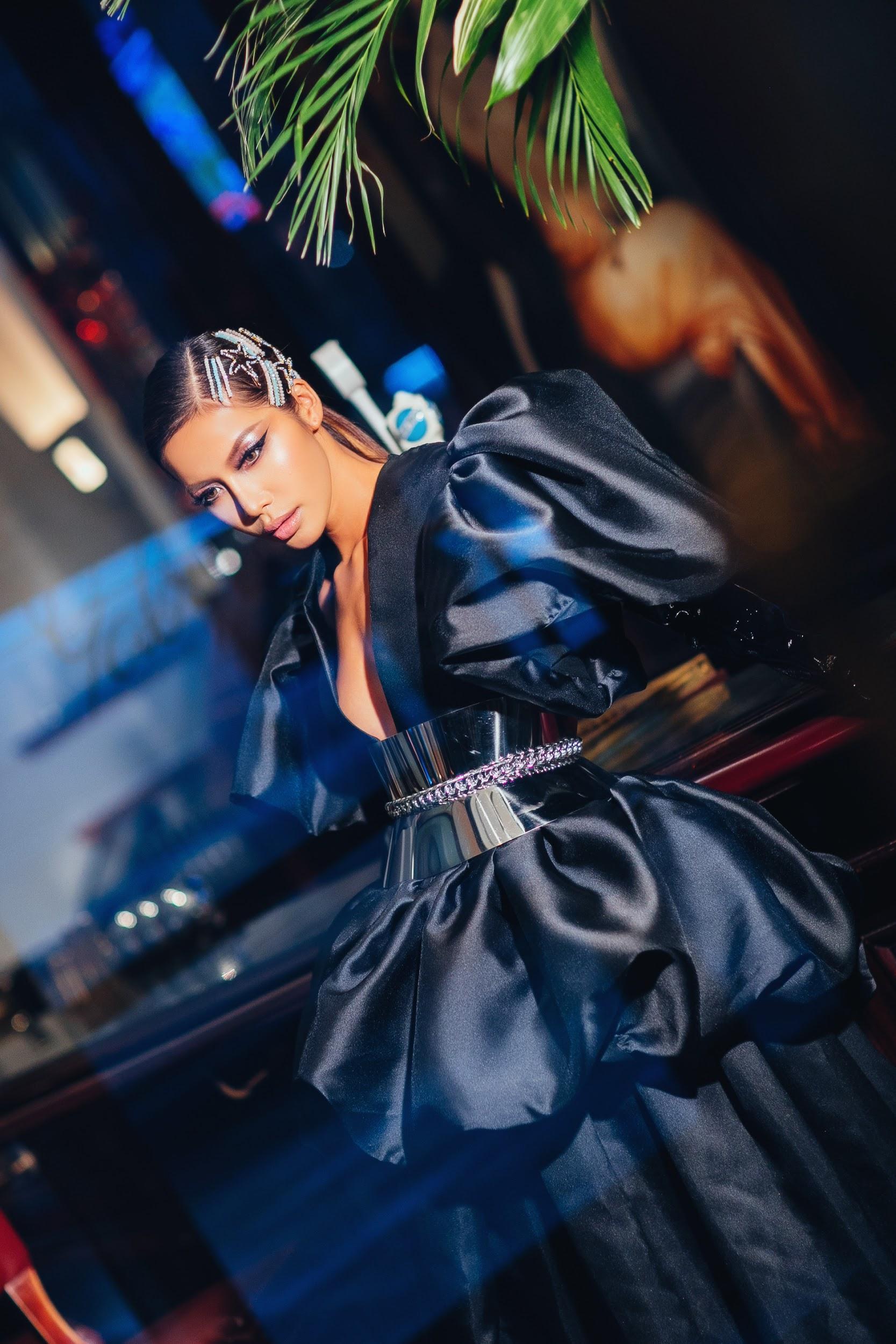 Mãn nhãn với loạt hairstyle đẳng cấp của Minh Tú trong lần tham dự New York Fashion Week Spring/Summer 2020 - Ảnh 2.