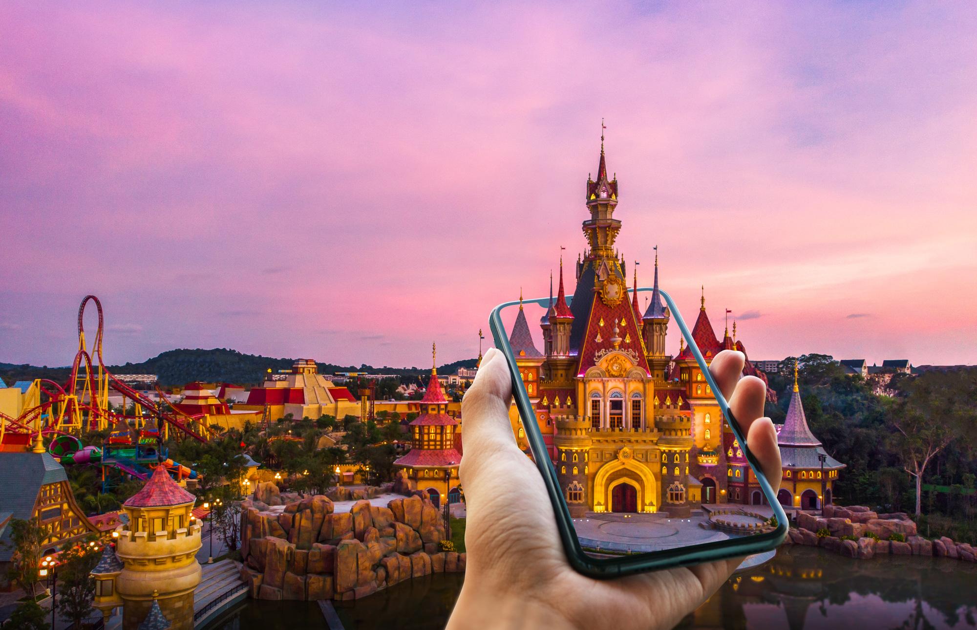 """Khám phá công viên chủ đề hàng đầu châu Á trên nền tảng thực tế ảo, """"săn"""" ngay 5.000 vé vào VinWonders miễn phí! - Ảnh 1."""