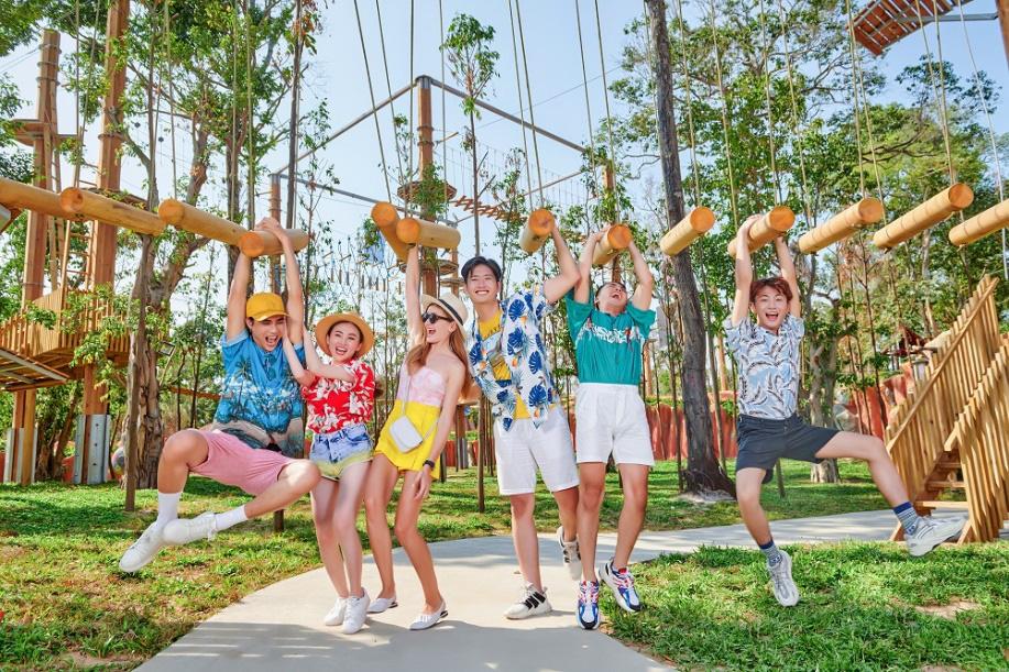 Top 5 trải nghiệm thế giới khiến giới trẻ mê mẩn tại công viên chủ đề lớn nhất Việt Nam - Ảnh 1.