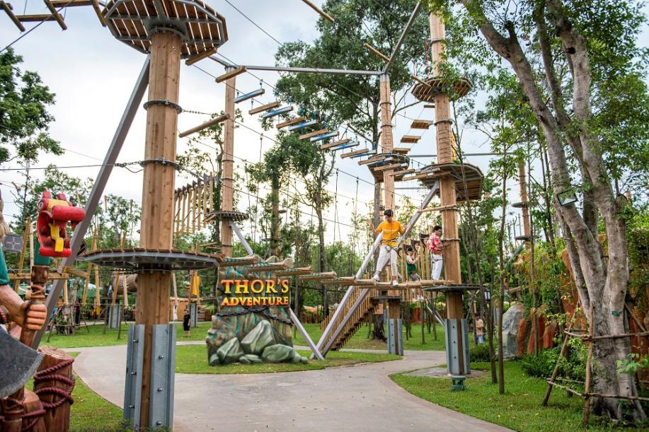 Top 5 trải nghiệm thế giới khiến giới trẻ mê mẩn tại công viên chủ đề lớn nhất Việt Nam - Ảnh 2.