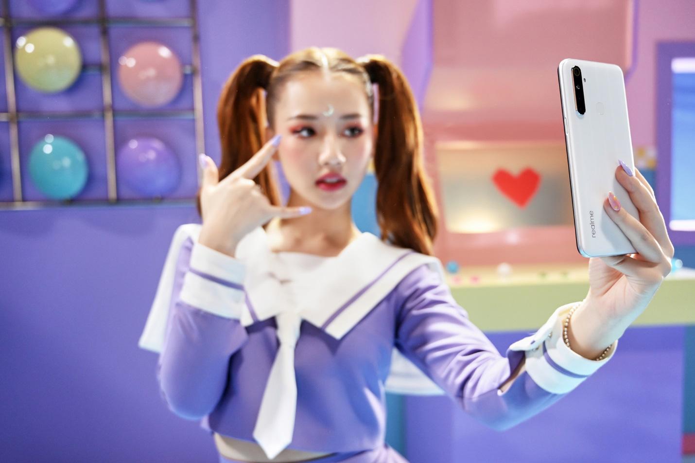 Amee xinh bá đạo trong hậu trường MV Yêu Thì Yêu Không Yêu Thì Yêu - Ảnh 5.