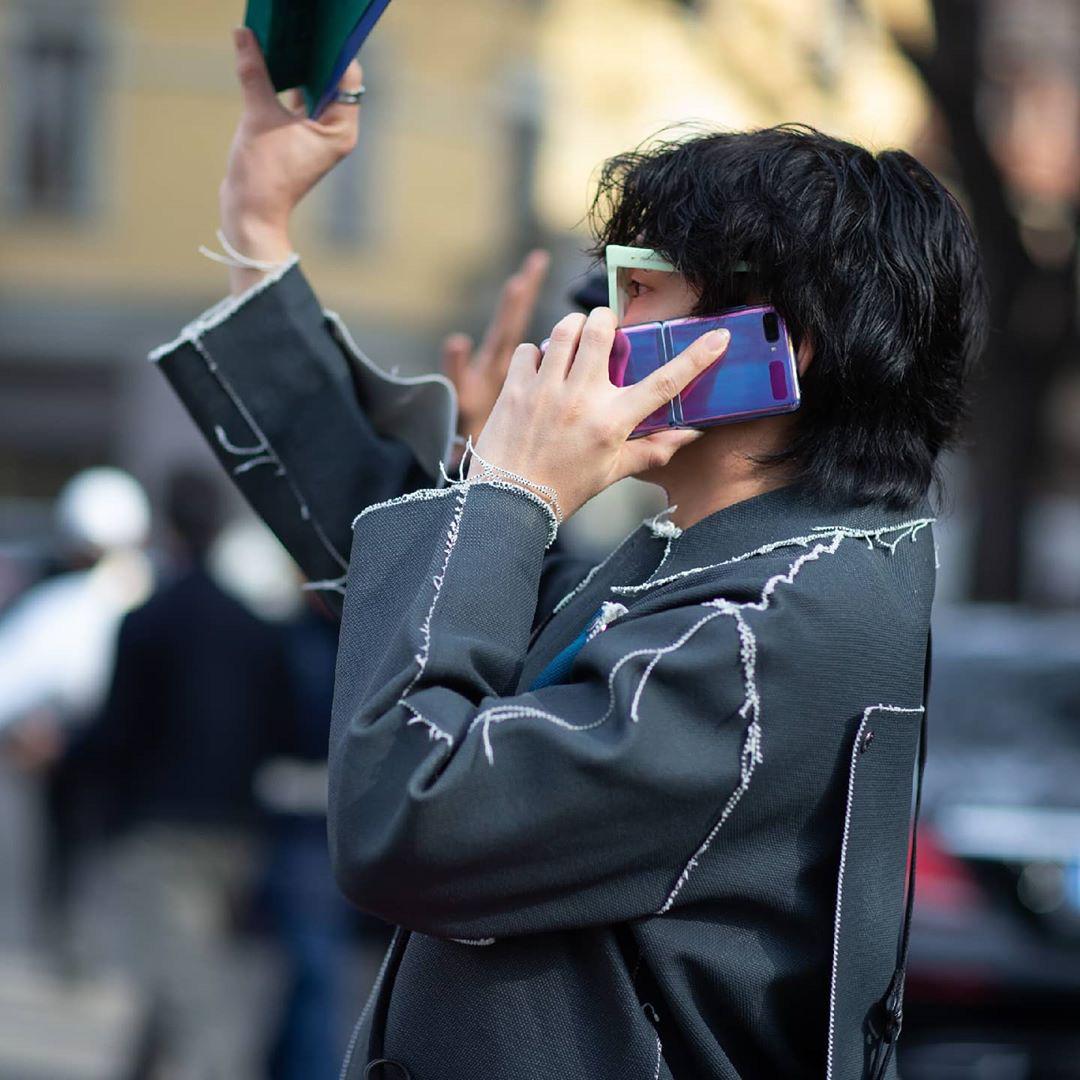 Smartphone màn hình gập đang chinh phục tín đồ thời trang và định nghĩa trải nghiệm dùng hoàn toàn mới - Ảnh 2.