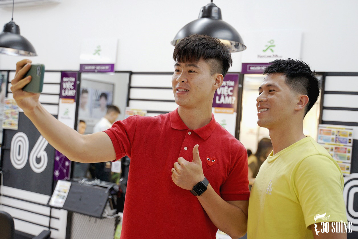 """Duy Mạnh - Đình Trọng thử một lần """"chơi lớn"""" kiểu tóc hot trend 2020 để xem fan có trầm trồ và cái kết - Ảnh 5."""