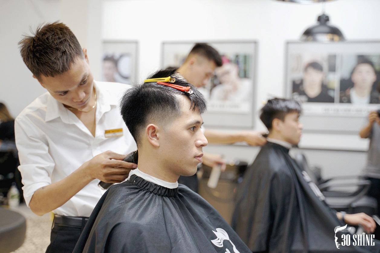 """Duy Mạnh - Đình Trọng thử một lần """"chơi lớn"""" kiểu tóc hot trend 2020 để xem fan có trầm trồ và cái kết - Ảnh 7."""