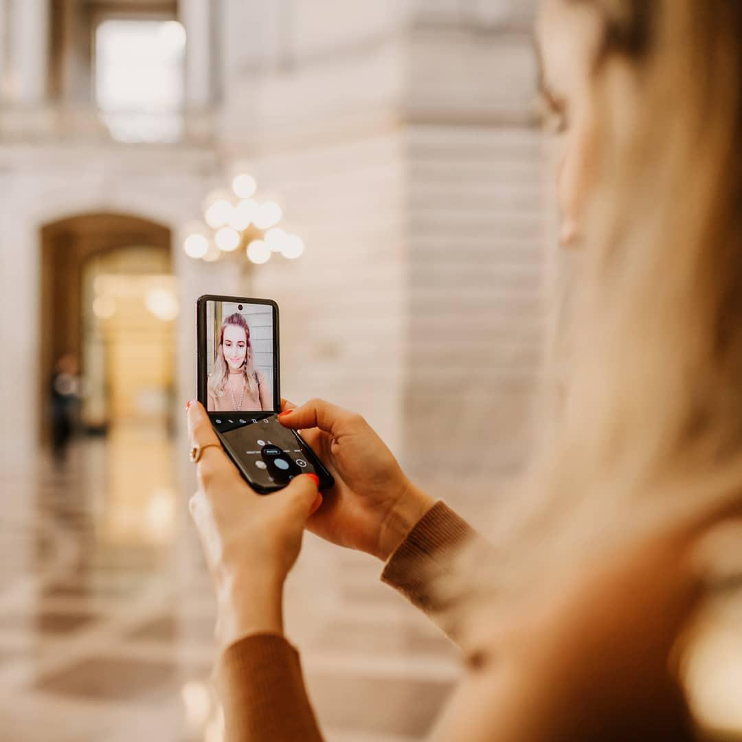 Smartphone màn hình gập đang chinh phục tín đồ thời trang và định nghĩa trải nghiệm dùng hoàn toàn mới - Ảnh 8.