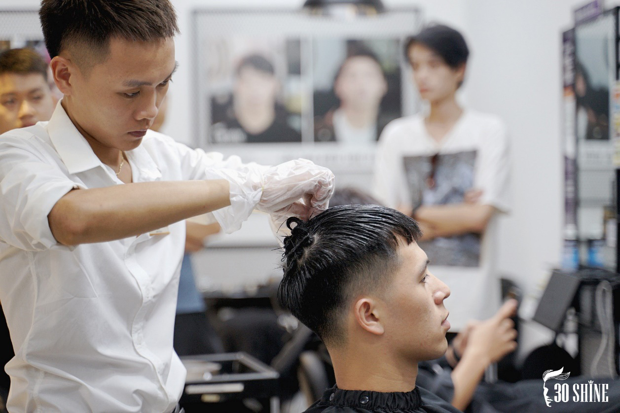"""Duy Mạnh - Đình Trọng thử một lần """"chơi lớn"""" kiểu tóc hot trend 2020 để xem fan có trầm trồ và cái kết - Ảnh 8."""