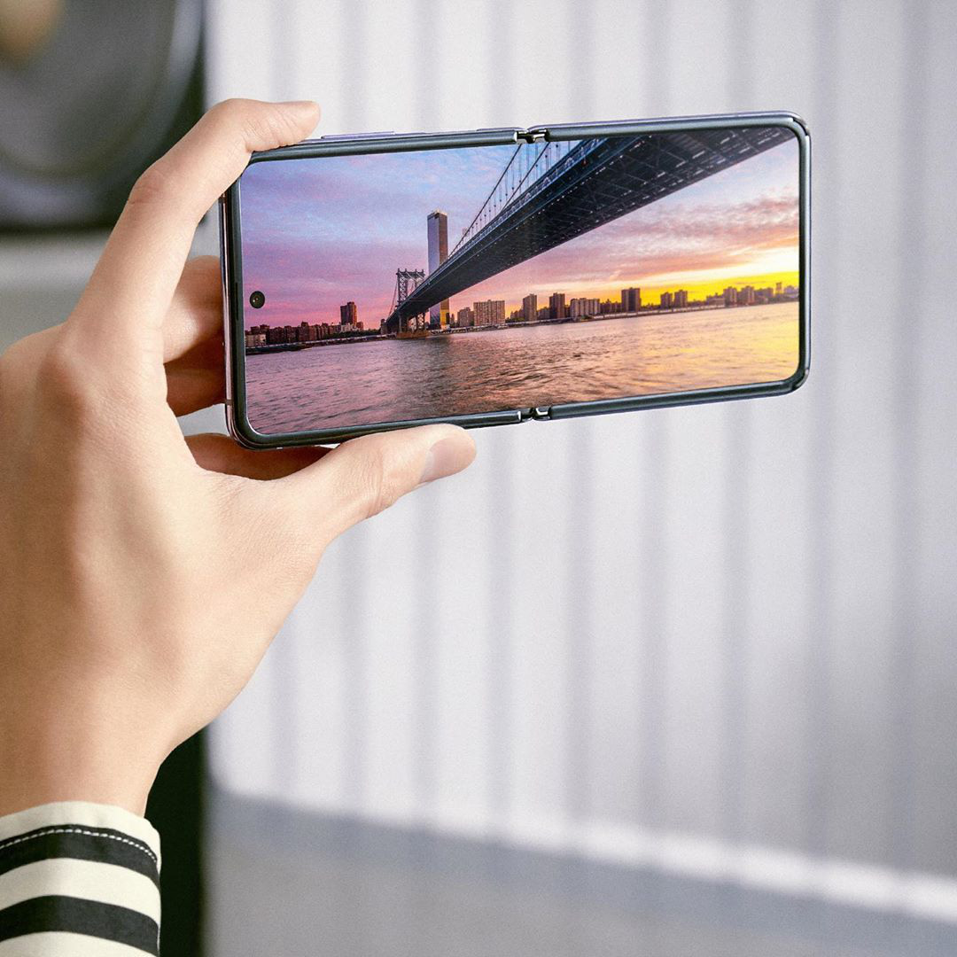 Smartphone màn hình gập đang chinh phục tín đồ thời trang và định nghĩa trải nghiệm dùng hoàn toàn mới - Ảnh 9.