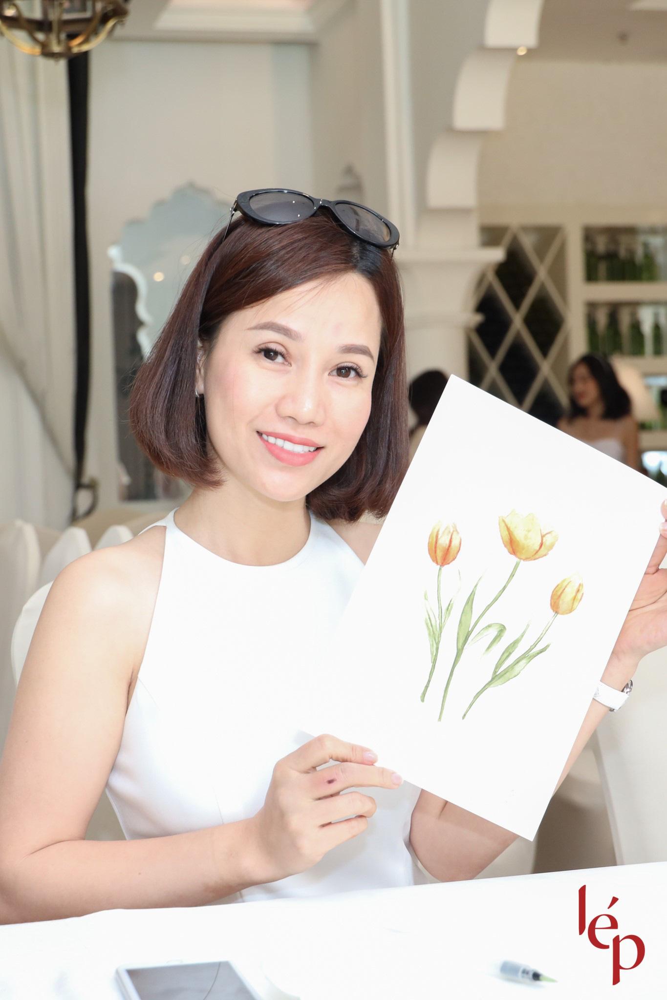 Lep' - Brand nổi tiếng với những chiếc váy hoa cùng khách hàng thiết kế họa trên lụa - Ảnh 6.
