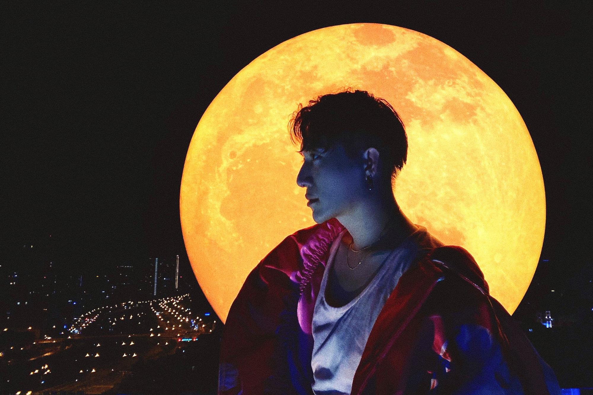 Sự kiện có 1-0-2: Đệ nhất sống ảo cùng siêu trăng tại Sài Gòn - Ảnh 1.