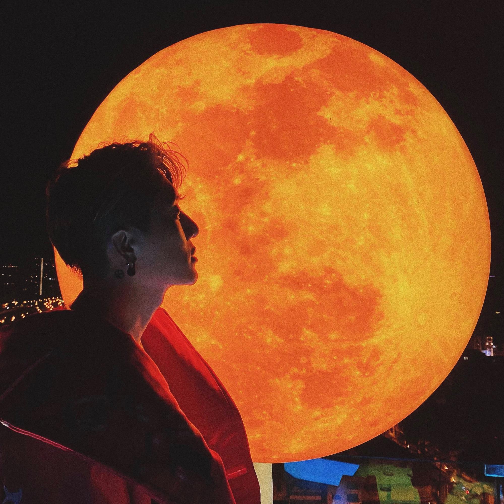 Sự kiện có 1-0-2: Đệ nhất sống ảo cùng siêu trăng tại Sài Gòn - Ảnh 2.