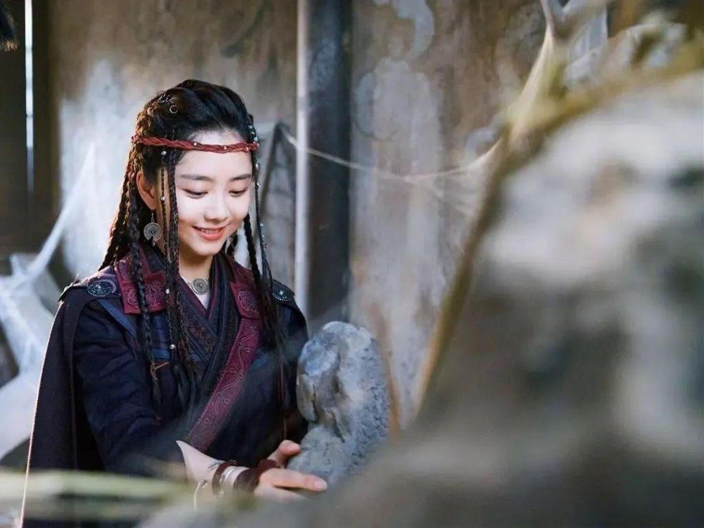Dân Sơ Kỳ Nhân Truyện: Phim kịch tính từng giây, dàn mỹ nữ hot nhất mùa hè Tần Lam, Đàm Tùng Vận gây thương nhớ - Ảnh 4.
