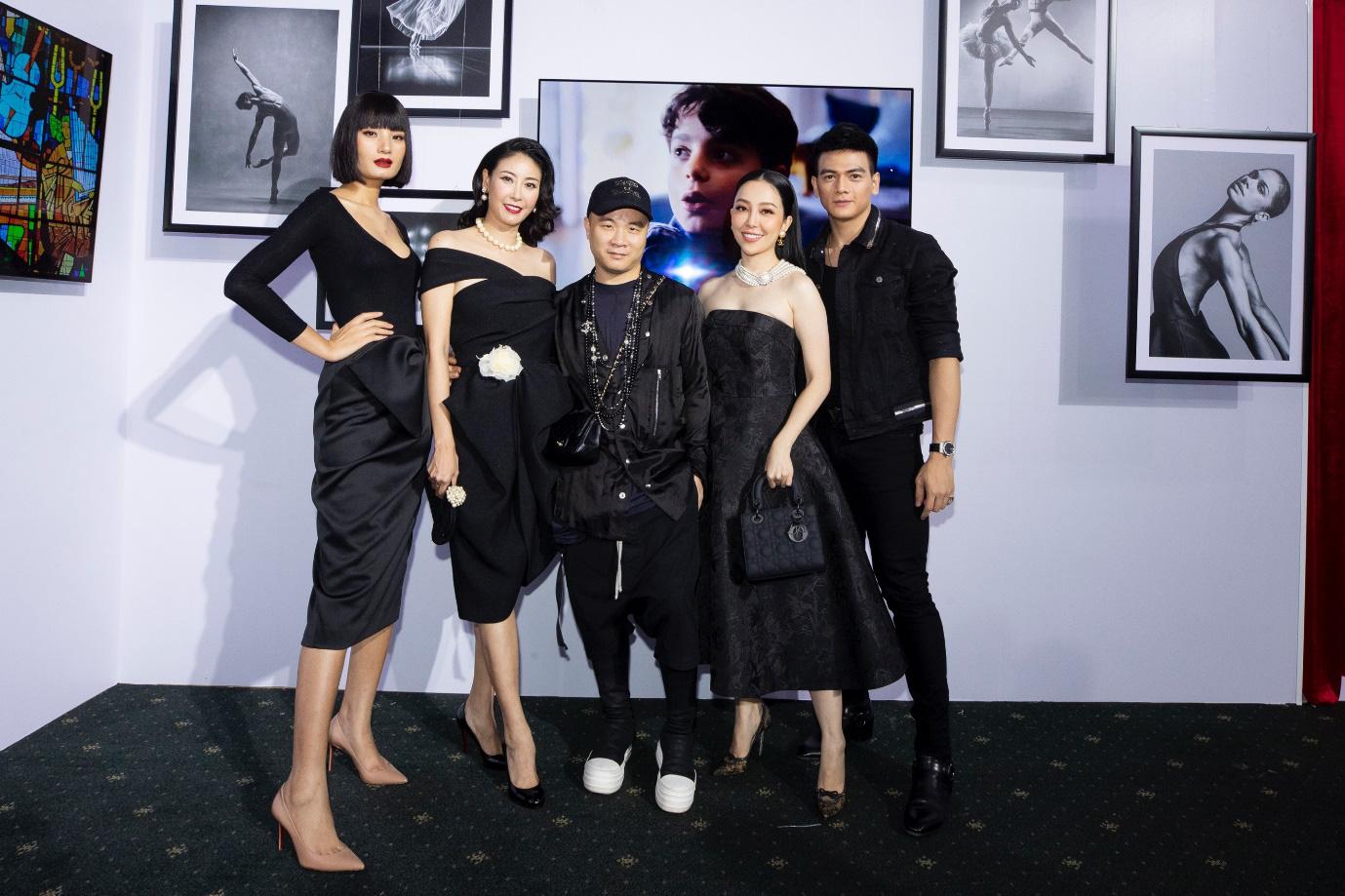 Binz, Touliver và Ninh Dương Lan Ngọc mở màn sự kiện ra mắt TV OLED 8K đầu tiên trên thế giới - Ảnh 7.