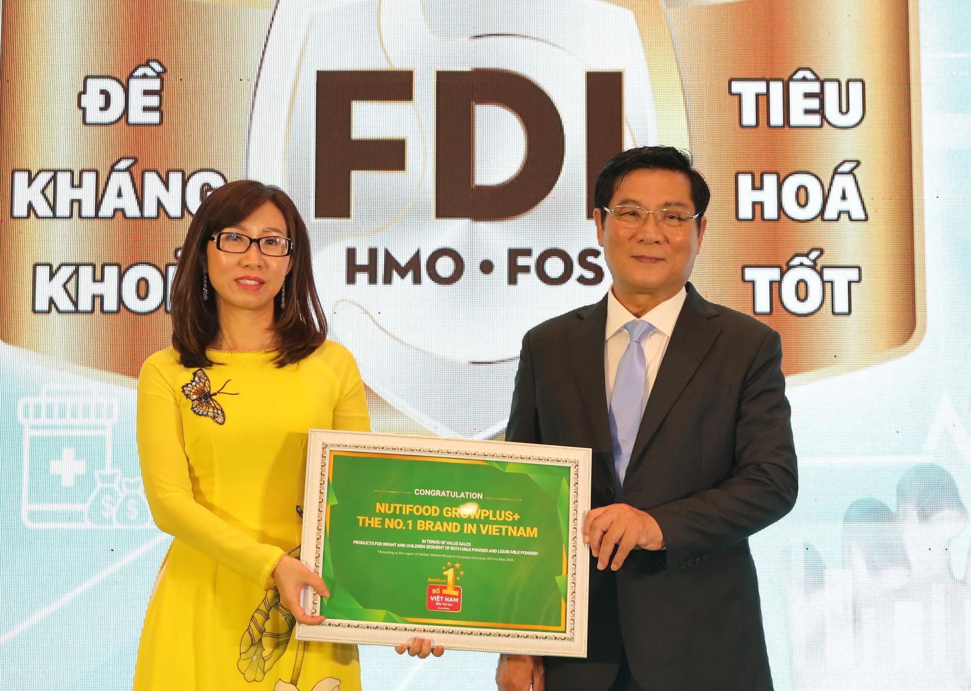 """Chiếm 22% thị phần, NutiFood đón nhận danh hiệu Nhãn hàng Sữa trẻ em số 1 Việt Nam"""" - Ảnh 2."""