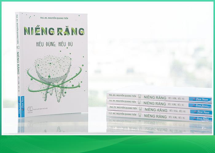 Suni Hạ Linh chia sẻ về quá trình niềng răng của bản thân tại buổi ra mắt sách - Ảnh 1.