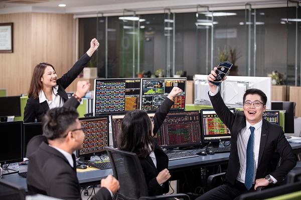 KIS tư vấn phát hành trái phiếu hoán đổi của An Phát Holdings trị giá 260 tỷ đồng - Ảnh 3.