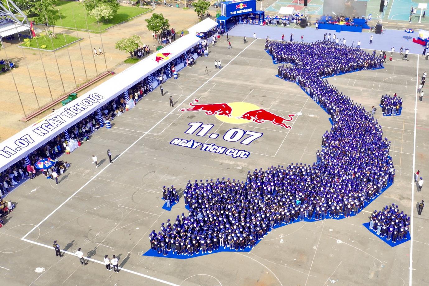 Red Bull tạo dấu ấn với Ngày Tích Cực, xác lập kỷ lục châu Á để lan tỏa năng lượng tích cực khắp Việt Nam - Ảnh 1.