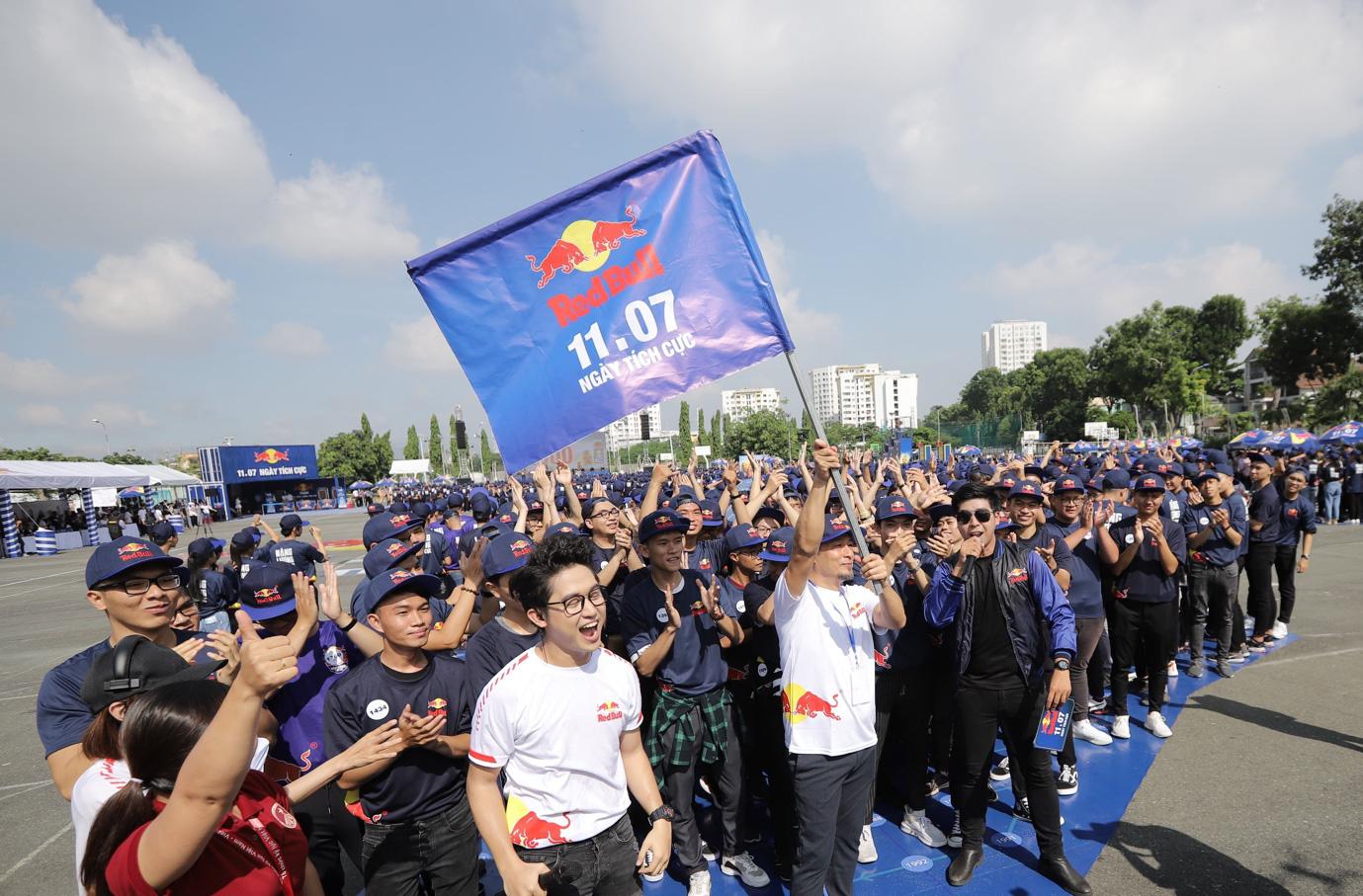 Red Bull tạo dấu ấn với Ngày Tích Cực, xác lập kỷ lục châu Á để lan tỏa năng lượng tích cực khắp Việt Nam - Ảnh 3.