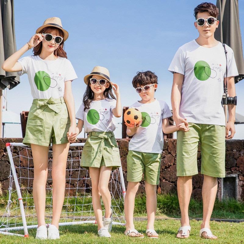 Cùng đồng phục Gạo House mix & match áo gia đình cực chất cho hè 2020 - Ảnh 2.