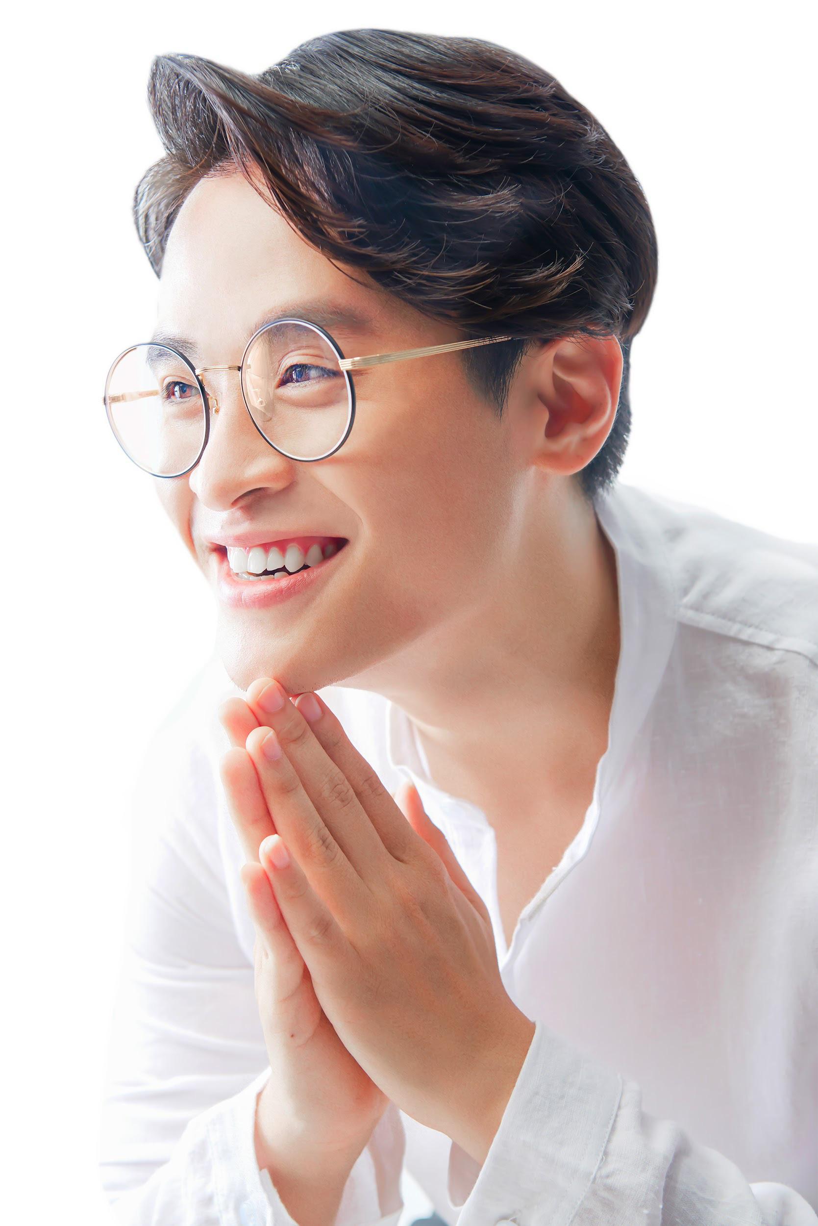 """Hà Anh Tuấn: """"Chàng hoàng tử"""" mang âm nhạc làm nguồn sinh khí nuôi dưỡng trái tim - Ảnh 1."""