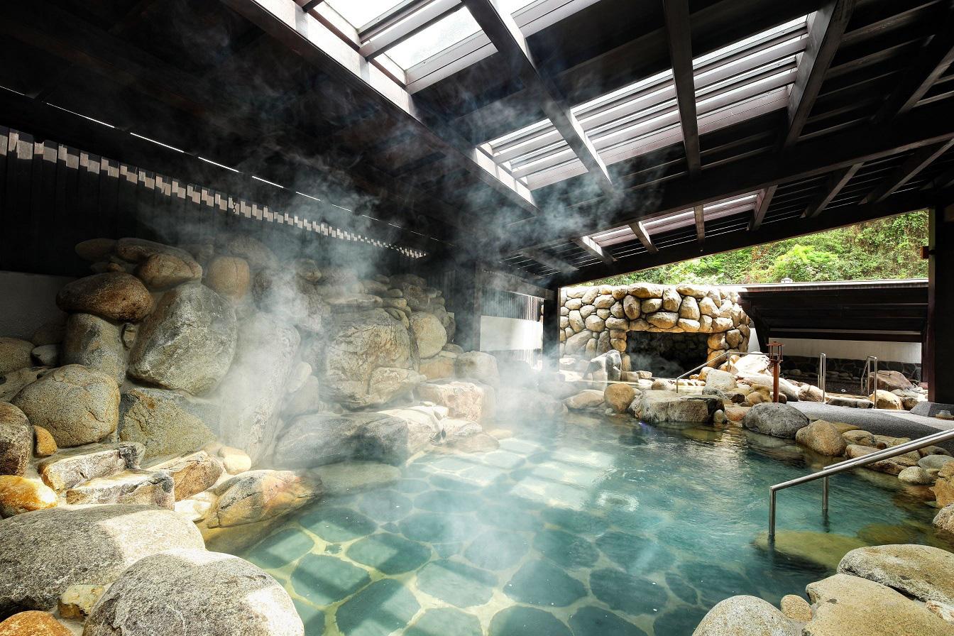 Những điều cần lưu ý khi tắm onsen kiểu Nhật để đạt hiệu quả tốt nhất cho cơ thể - Ảnh 1.