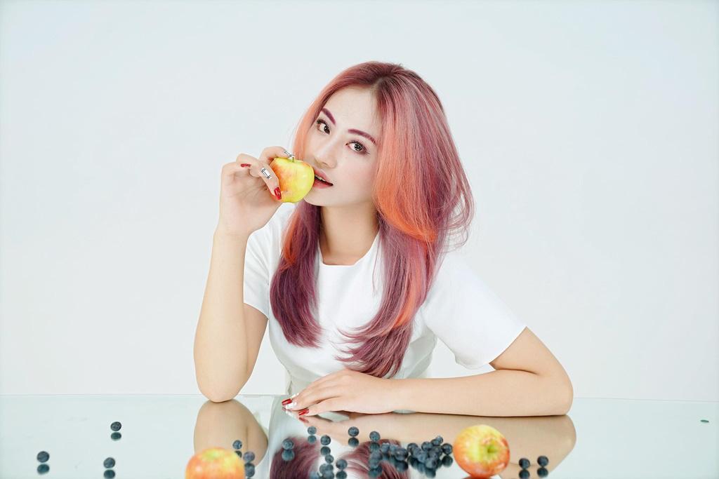 """""""Rực rỡ như trái cây, ngọt ngào như trà sữa"""": Chọn màu tóc này, các nàng hứa hẹn tỏa sáng cả mùa hè - Ảnh 1."""