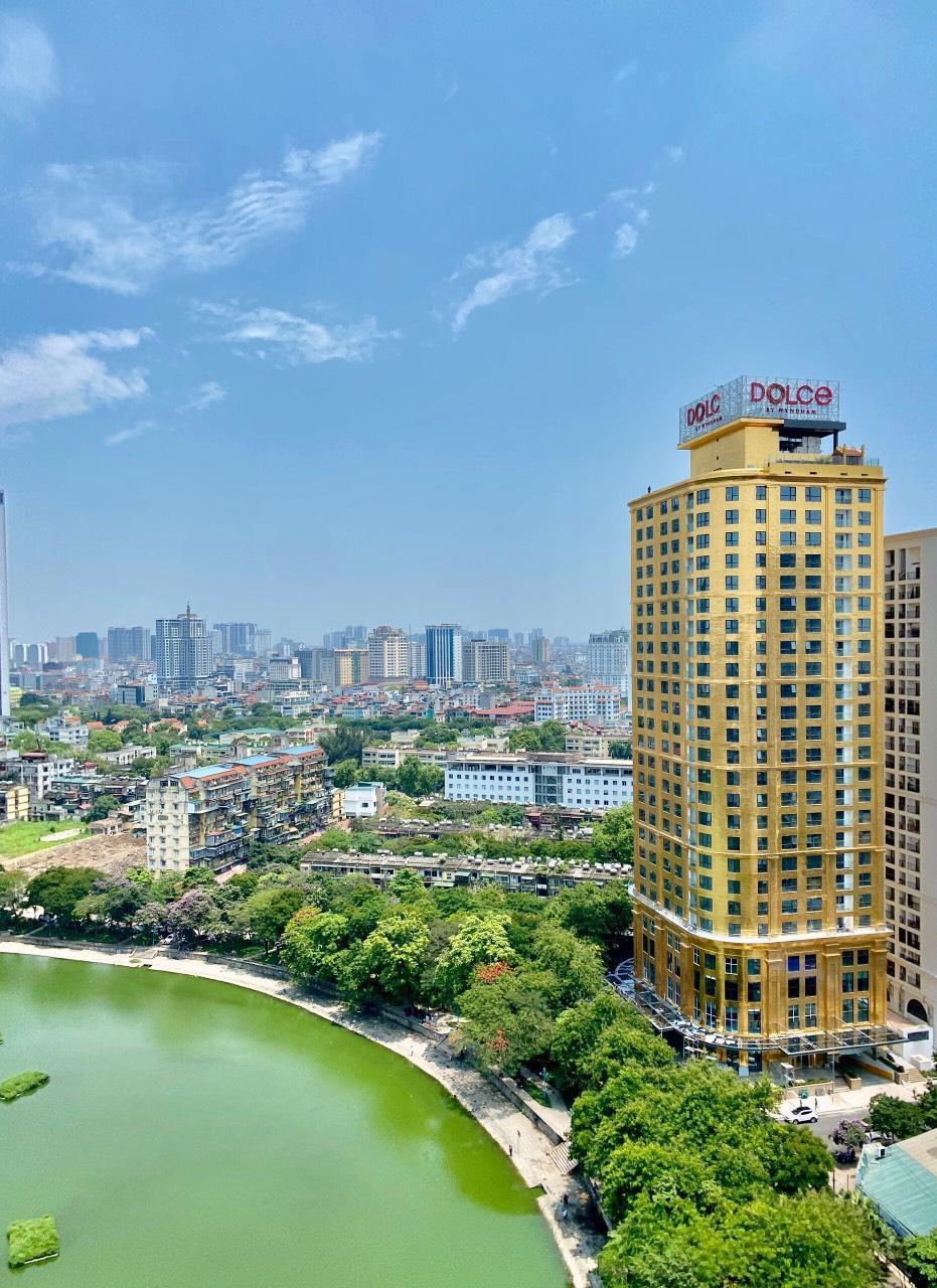 Chương trình khuyến mãi hấp dẫn của khách sạn dát vàng 8 sao Dolce Hanoi Golden lake - Ảnh 1.