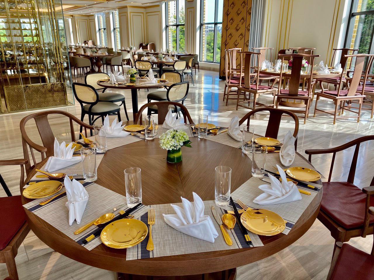 Chương trình khuyến mãi hấp dẫn của khách sạn dát vàng 8 sao Dolce Hanoi Golden lake - Ảnh 2.