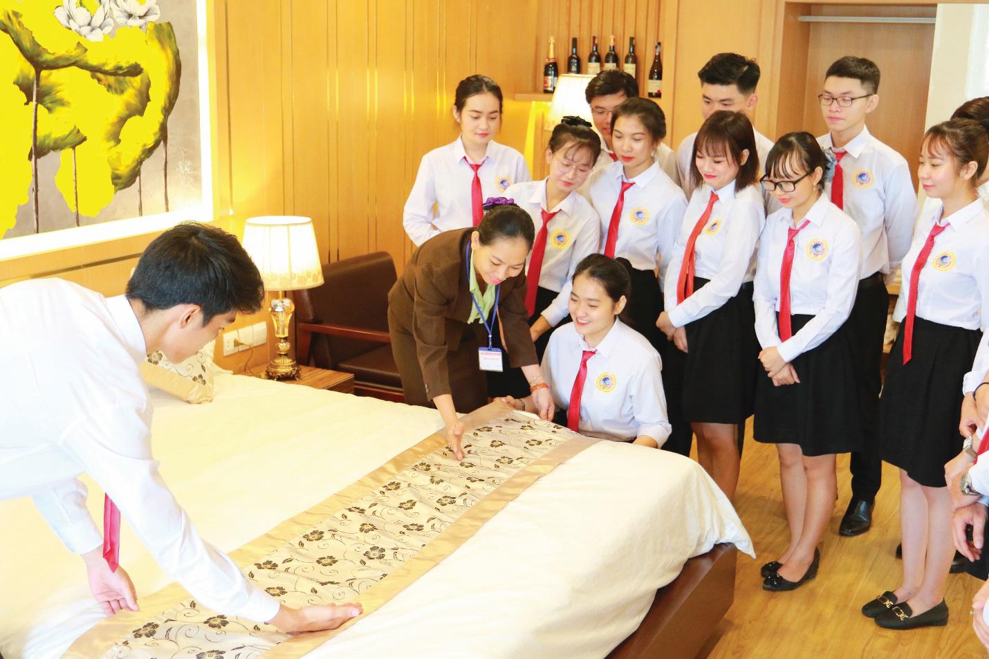 SIU chú trọng đào tạo kỹ năng thực tế cho sinh viên Quản trị Nhà hàng - Khách sạn - Ảnh 2.