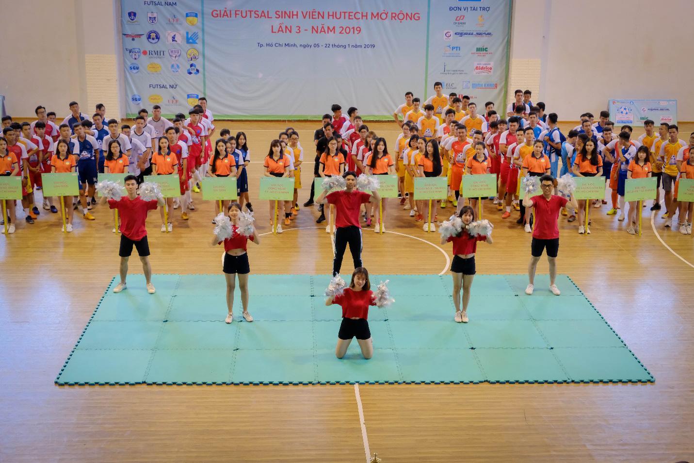 19 trường Đại học, Cao đẳng tranh cúp Futsal Sinh viên HUTECH mở rộng lần 4 - 2020 - Ảnh 1.