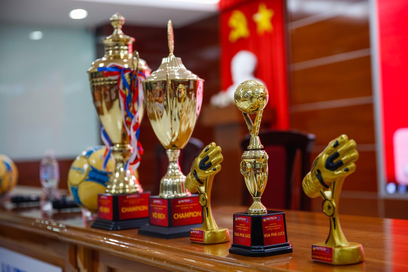 19 trường Đại học, Cao đẳng tranh cúp Futsal Sinh viên HUTECH mở rộng lần 4 - 2020 - Ảnh 3.