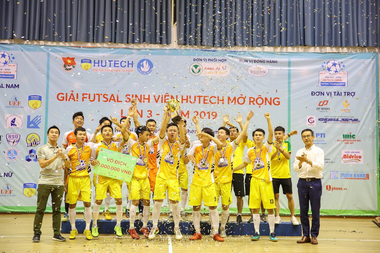 19 trường Đại học, Cao đẳng tranh cúp Futsal Sinh viên HUTECH mở rộng lần 4 - 2020 - Ảnh 4.