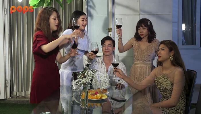 """Hội săn hồ ly: ST Sơn Thạch tung clip quay lén hội """"bỉm sữa"""" Puka, Khả Như để câu like - Ảnh 5."""