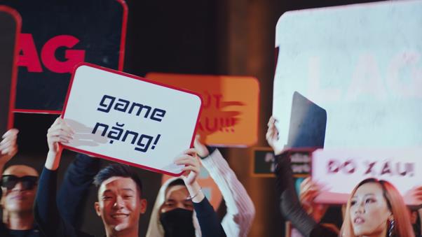 """""""Mặn như muối"""" - MV LAG LOVE của Bùi Công Nam kết hợp cùng PUBG Mobile đang khiến cư dân mạng xem mãi không chán! - Ảnh 3."""