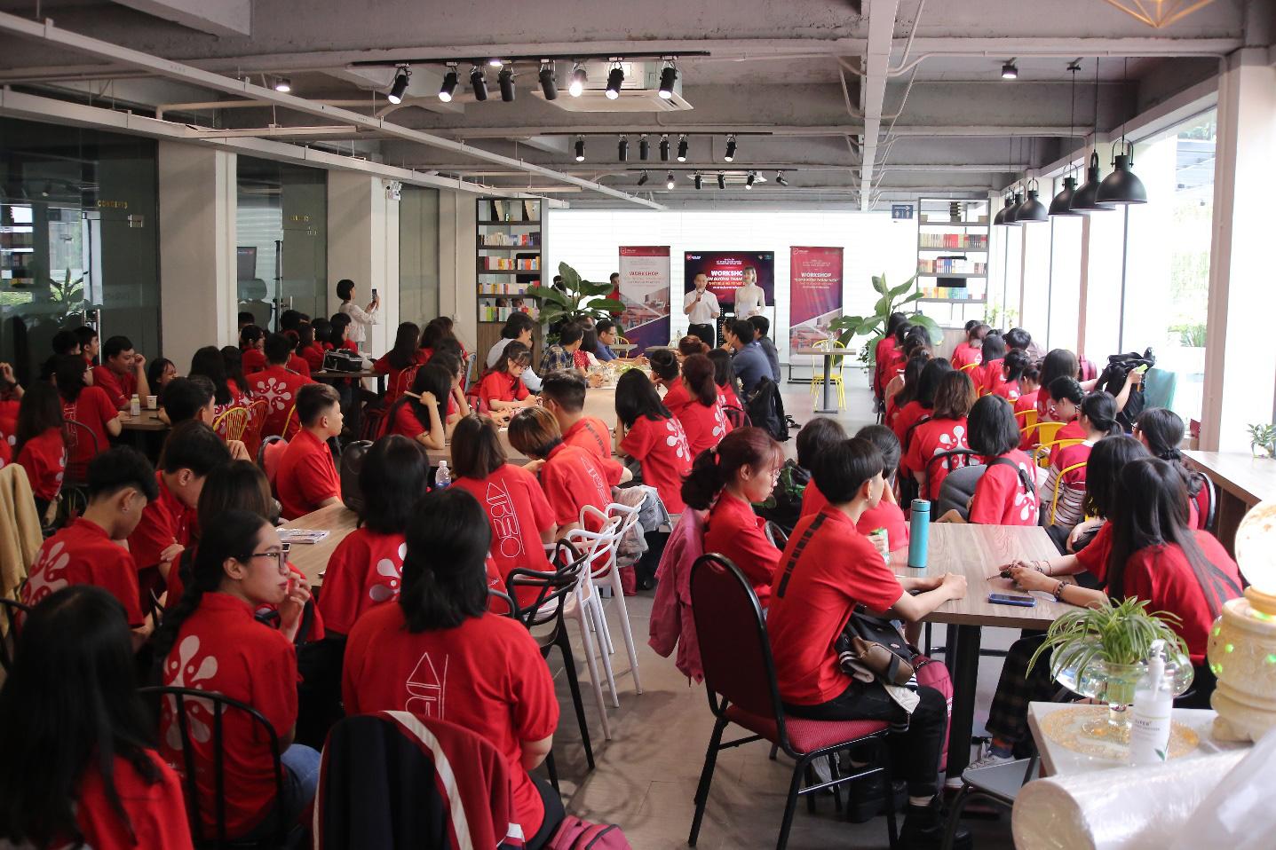 Lần đầu tiên Nhà Văn hóa Thanh niên cộng tác cùng sinh viên ĐH Văn Lang thực hiện Lễ hội Tết Việt - Ảnh 1.