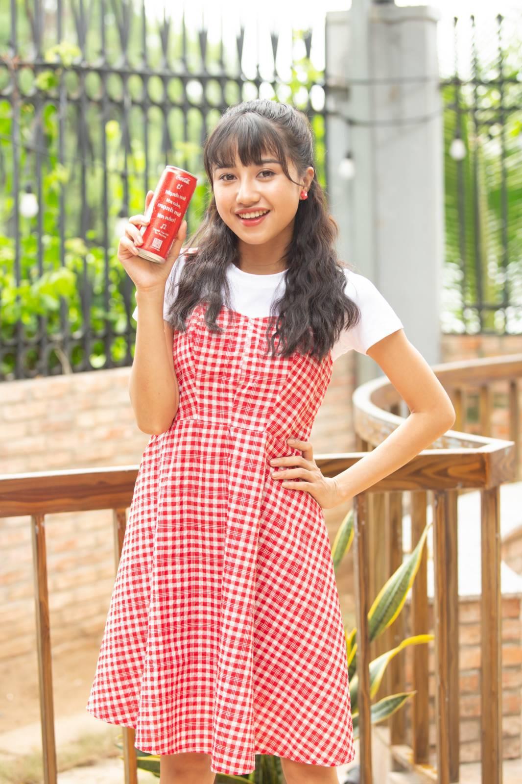 """Coca-Cola 1 lần nữa khiến giới trẻ """"sôi sục"""" với bộ lon """"Trao giai điệu hứng khởi"""" - Ảnh 6."""